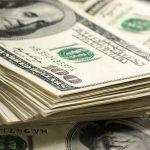 افزایش ۳هزار تومانی قیمت دلار با فشار ۲صراف رانتخوار