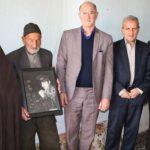 عبداله بنهری با خانواده شهید براتعلی کلهرودی دیدار و گفتگو کردند