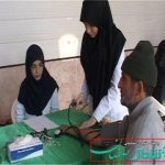 گروه جهادی الزهرا (س) ۲۰۰ نفر را در شهر شاپور آباد برخوار بصورت رایگان معاینه و ویزیت  کردند